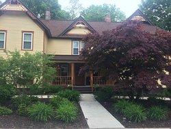 Twin Oaks Inn, Saugatuck, Michigan