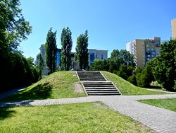 Memorial at Mila 18