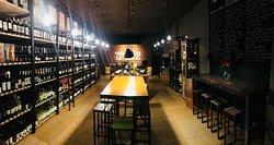 Almacen de Vinos Wine Bar & Store