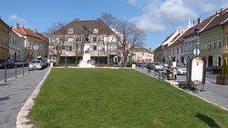 Dísz Square