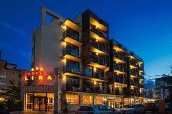 Club Hotel & Pub Lira