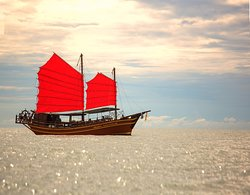 Chinese Junk Ratee Petra