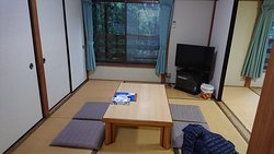 Living room, japanese style, can be converted to a tatami bedroom for more people