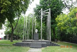 Monument to Karl Renner