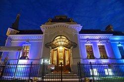 The Manor Restaurant & Lounge