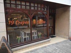 19 Crepes & Coffee
