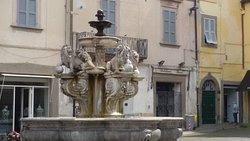 Viterbo, città di fontane, dei papi, delle terme