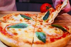 Dinelli Pizza