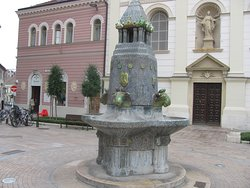 Zsolnay Fountain