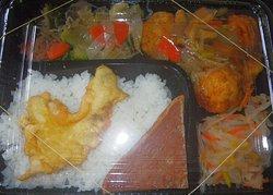 18/05/02 肉だんご野菜甘酢あんかけ(日替わり弁当) 300円.