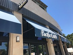 Exterior of Pacific Catch Westcoast Fish House in Walnut Creek
