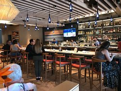 Bar interior of Pacific Catch Westcoast Fish House in Walnut Creek