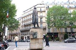 Statue d'Haussmann