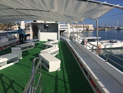 cubierta exterior con toldo catamaran mundo marino gandia
