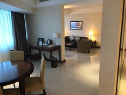Great hotel location with super lounge staff