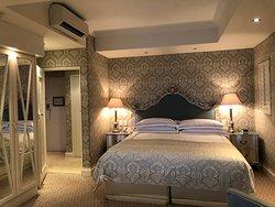โรงแรมทเวลฟ์อพอสเทิ่ลส์โฮเต็ลแอนด์สปา