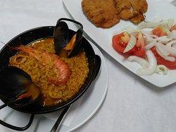 Comida casera y de calidad, una gran variedad de platos mediterráneos a muy buen precio y ambien