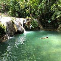 La-gaan Falls
