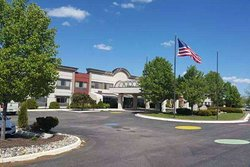 Days Inn & Suites by Wyndham Rochester Hills MI