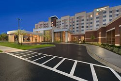 Embassy Suites by Hilton Chicago-Naperville