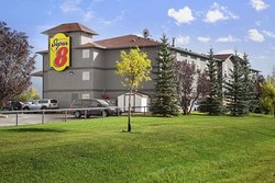 Super 8 by Wyndham Whitecourt