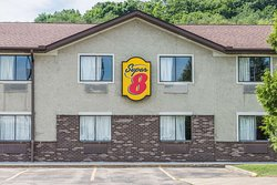 Super 8 by Wyndham Delmont