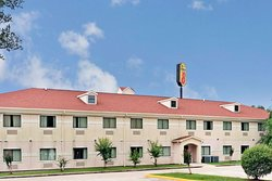 Super 8 by Wyndham Conroe