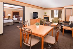 Queen Suite with Kitchenette