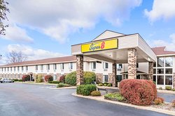 Super 8 by Wyndham Wausau