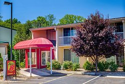 Super 8 by Wyndham Hartford South - Rocky Hill