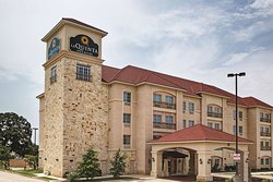 La Quinta Inn & Suites DFW Airport West - Euless