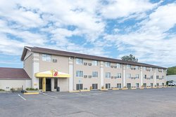 Super 8 by Wyndham Watertown