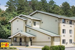 Super 8 by Wyndham Salem VA