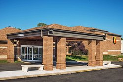 Super 8 by Wyndham Copley Akron