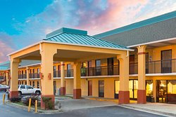 Super 8 by Wyndham, Orangeburg