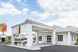 Super 8 by Wyndham Port Wentworth Savannah Area
