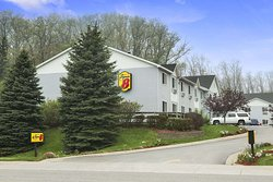 Super 8 by Wyndham Manistee
