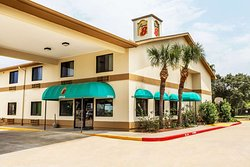 Super 8 by Wyndham League City-Kemah Area