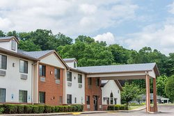 Super 8 by Wyndham Coshocton Roscoe Village