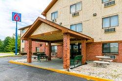 Motel 6 Morehead, KY