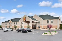 Super 8 by Wyndham Hampshire IL