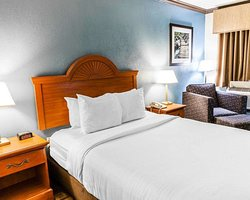 Quality Inn & Suites  Quakertown