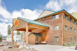 Super 8 by Wyndham Cooke City Yellowstone Park Area
