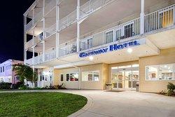 Gateway Hotel & Suites