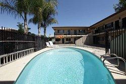 Americas Best Value Inn Hotel Visalia