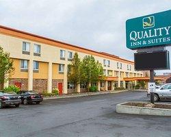 Quality Inn & Suites Riverfront