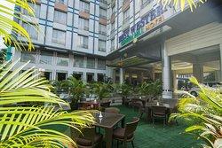 最佳西式綠丘酒店