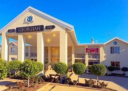 Comfort Inn & Suites Georgian