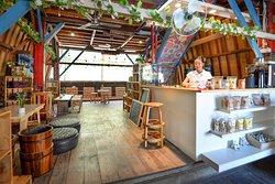de'flo Cafe & Oleole