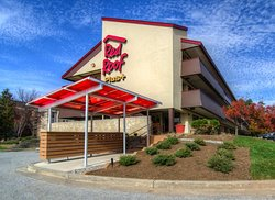 Red Roof PLUS+ Baltimore - Washington DC/BWI Airport